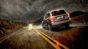 8 съвета за шофиране при дъжд